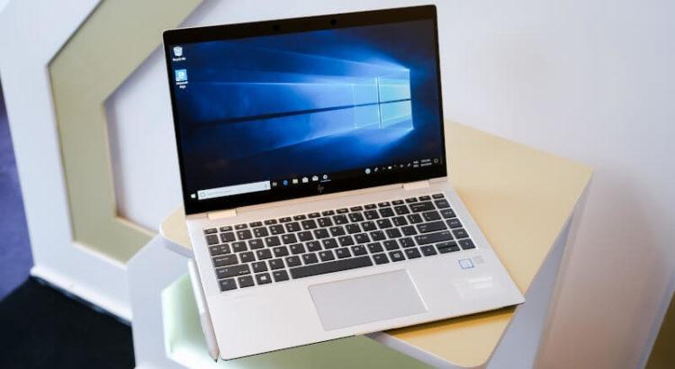 Detalhe de um notebook com Windows.