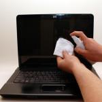 Como limpar a tela LCD do notebook e netbook