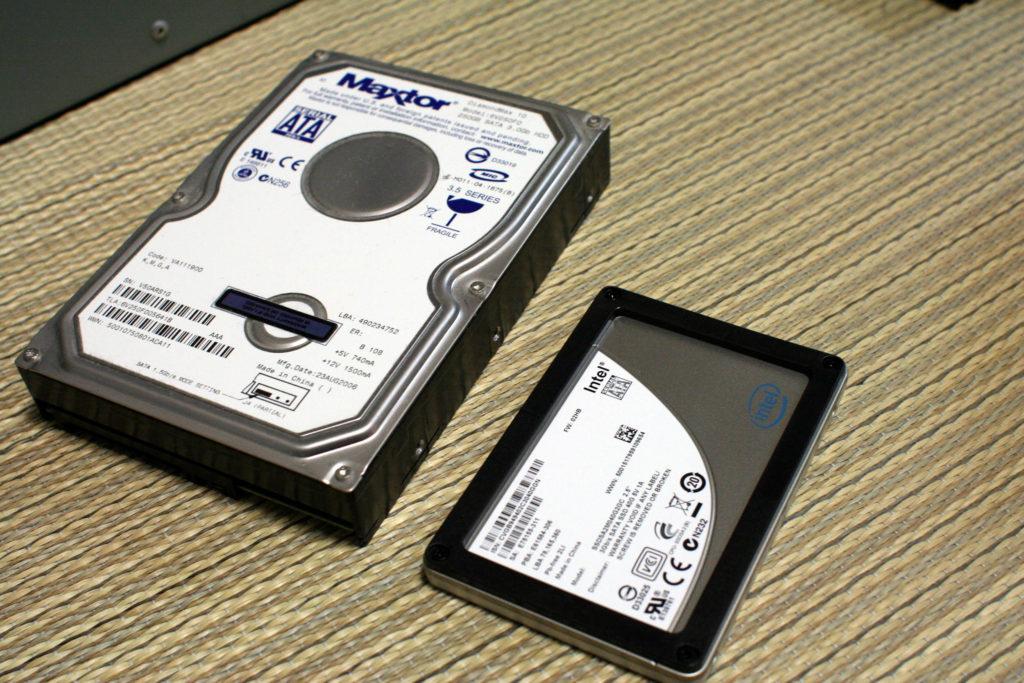 SSD e HD mecânico.
