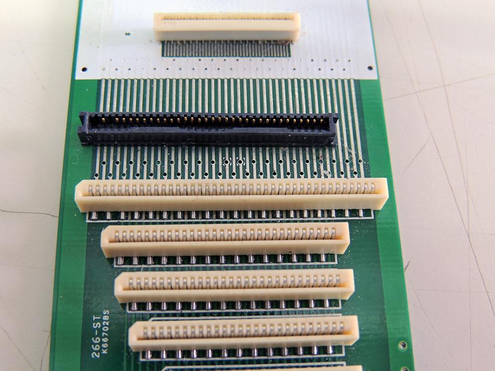 conectar-o-cabo-flat-do-teclado-3