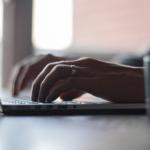 Como limpar o teclado do notebook sem causar danos ao aparelho