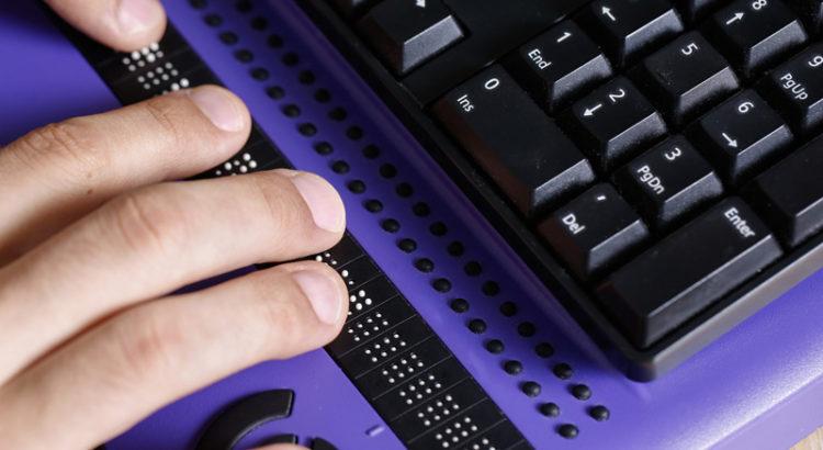 teclados para deficientes visuais