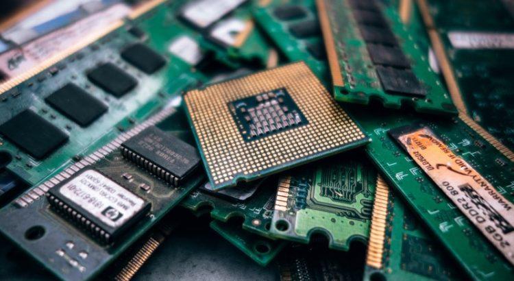 Chips e componentes de processamento (chips).