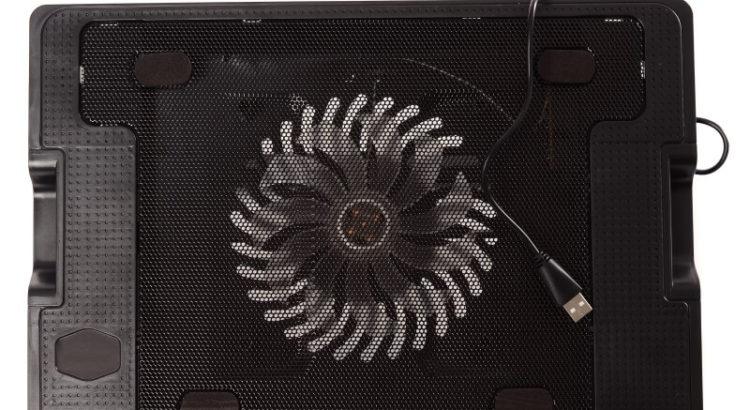 Imagem de uma base para notebook com cooler.