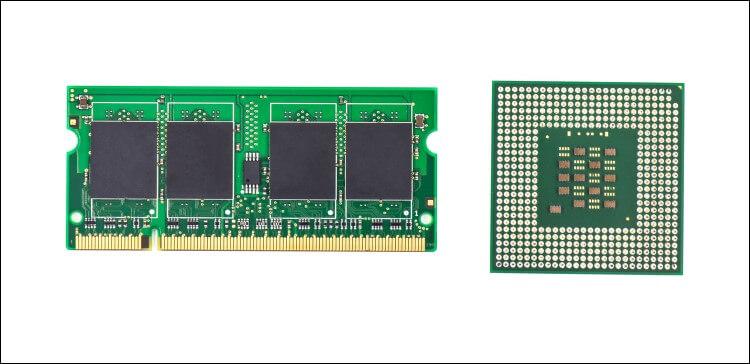 Pente de memória e CPU para notebook.