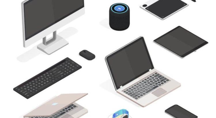 Vários acessórios e notebooks: caixa de som, smartwatch, monitor, teclado e mouse, entre outros.