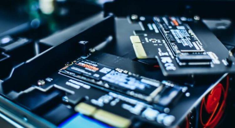 SSDs do tipo M.2, em placas PCI-e.